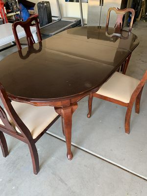 Dining table for Sale in Gilbert, AZ