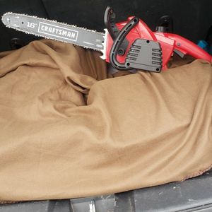 Electric 16 Inch Craftsman Chainsaw. Like New for Sale in Leesburg, VA