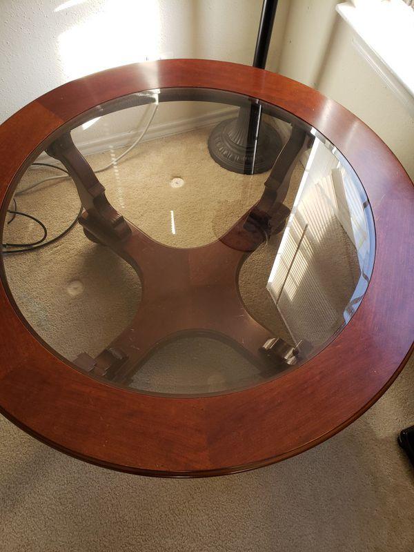 Wood/glass coffee table