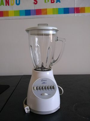 Oster 14 speed blender for Sale in COCKYSVIL, MD