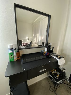Barber/Stylist drawer station w/mirror for Sale in San Jose, CA