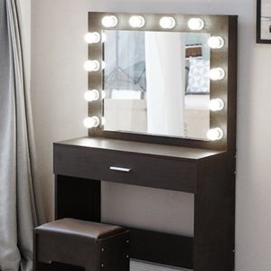 Make Up Vanity With Lights and Seat for Sale in Lake Wales, FL