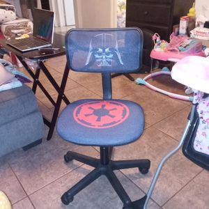 Brand New Star Wars Kids Desk Chair for Sale in Compton, CA