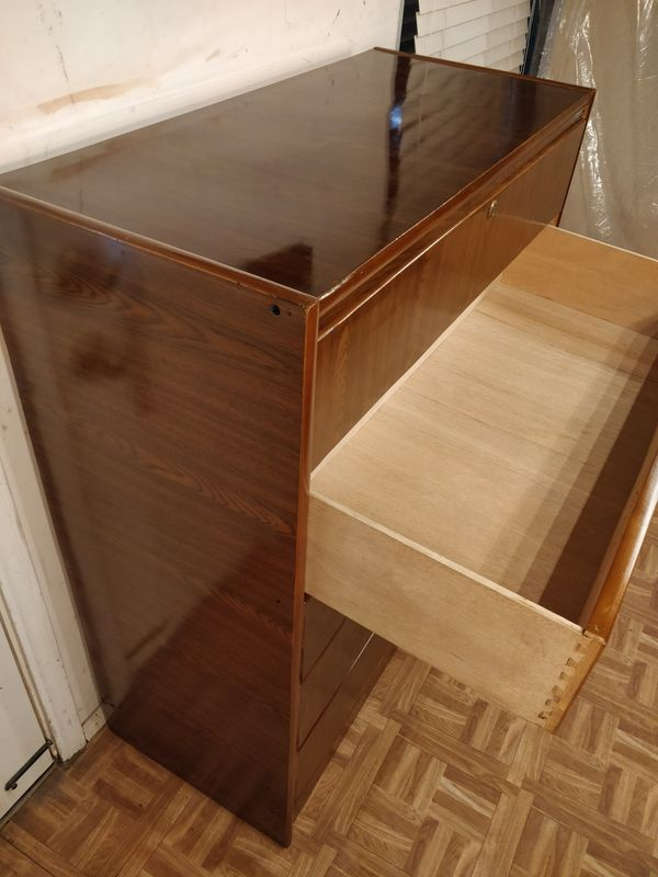 """Nice dresser/TV stand with big 5 drawers in good condition, all drawers working well, dovetail drawers. L39""""*W17.5""""*H47"""""""