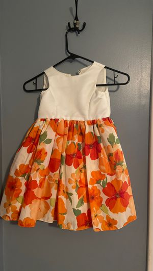 Flower girl dress size 2T. for Sale in Elyria, OH