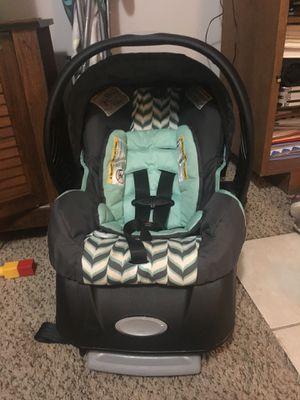 Evenflo infant car seat for Sale in Oskaloosa, KS