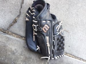 Baseball/ softball glove for Sale in San Jose, CA