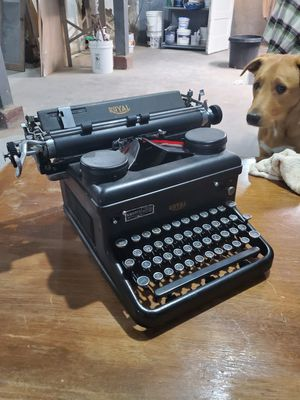 1930's Royal Typewriter for Sale in Chicago, IL