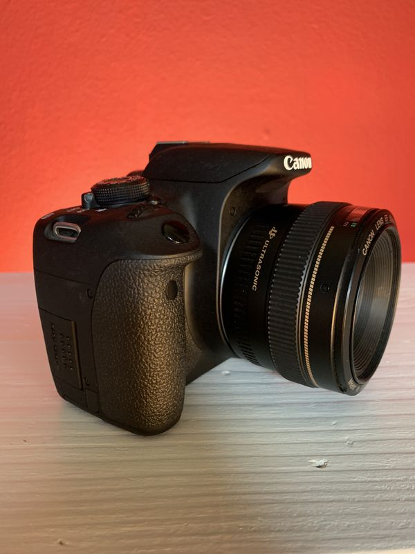 Canon T5i And Lens EF 50mm 1:1.4