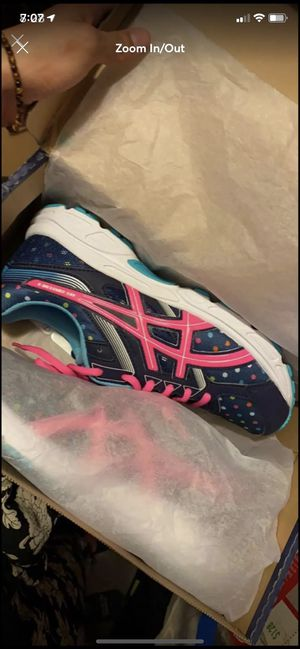 saucony woman's girls shoes for Sale in Denver, CO