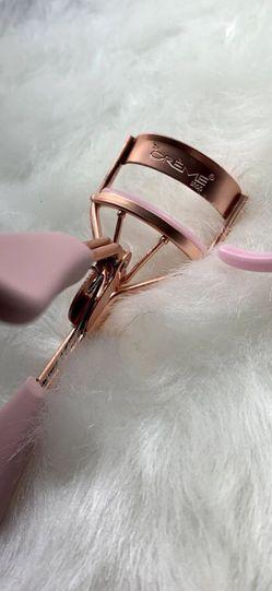 Rose Gold Eyelash Curler for Sale in Garden Grove,  CA
