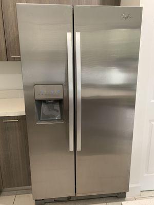 Whirlpool Refrigerator for Sale in Sunrise, FL
