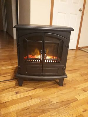 ELECTRIC HEATER WITH REMOTE CONTROL LIKE NEW FOR SALE for Sale in Bellevue, WA