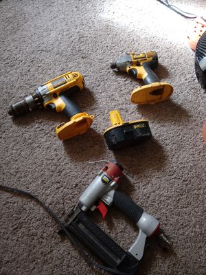 2 drillz and a nail gun for Sale in Whitehall, OH