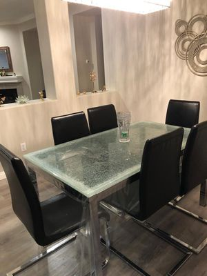 Dining table for Sale in Corona, CA