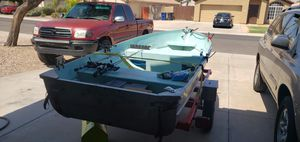 12' Aluminum fishing boat for Sale in Chandler, AZ