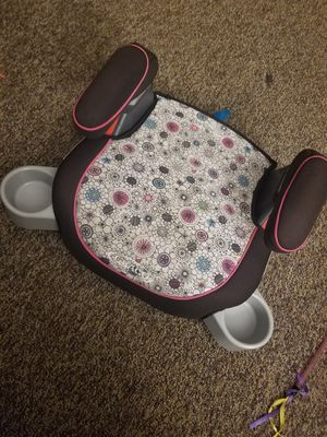 Graco backless girl booster seat for Sale in Rockford, MN