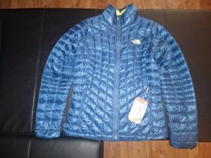 **NEW** Northface Women's Thermoball Jacket for Sale in Seattle, WA