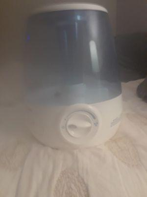 Humidifier - Ultrasonic with inbuilt lights (on/off) for Sale in Hendersonville, TN