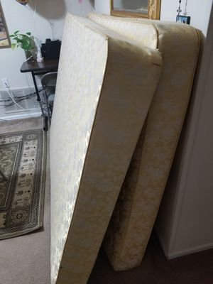 Full size mattress and box spring for Sale in Alexandria, VA