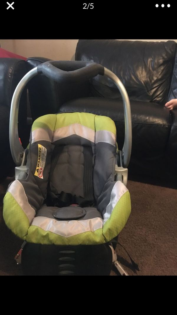 Car seat with the base for infants in excellent condition