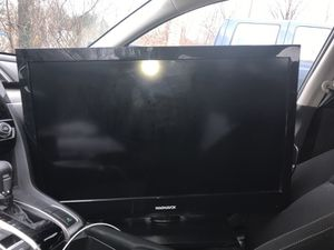 Magnavox Flatscreen TV 32 inch LCD HDTV for Sale in Baltimore, MD