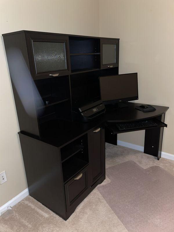 Expresso Office Desk + Hutch + Chair + Floor Mat