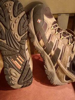 Merrell Moab Vertex Vent Composite Toe Work Shoe , Select Grip Slip Resistant Oil Resistant!! Like New!!! Size 12 for Sale in Orlando,  FL
