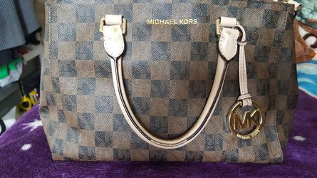 Womens Michael Kors (approx 10X8X5) for Sale in Malden,  MA