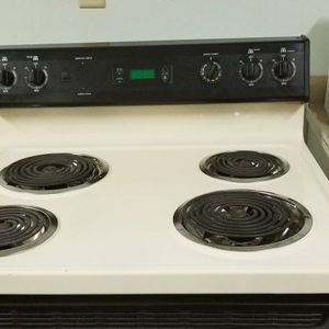VERY CLEAN ELECTRIC STOVE for Sale in Indianapolis, IN