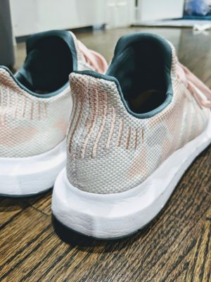 Adidas Pink camo for Sale in Houston, TX