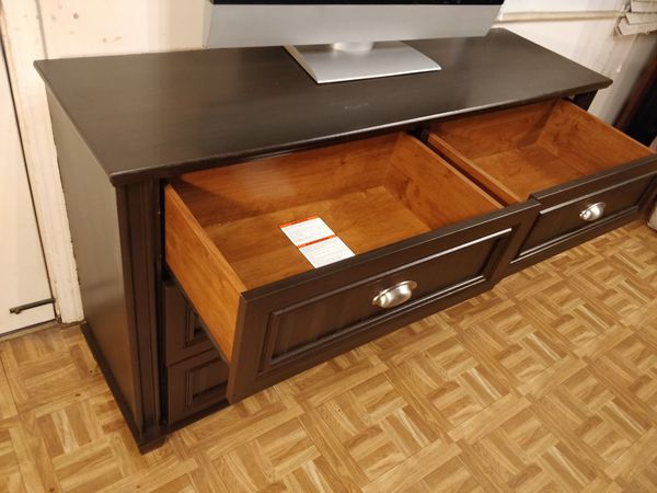 """Nice dresser/TV stand with 6 drawers in great condition, all drawers working well. L54""""*W16""""*H28"""""""