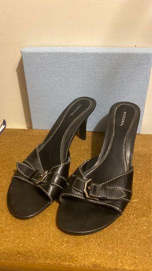 Merona black leather heels for Sale in Shawnee, KS