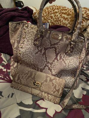 Micheal kors purse and matching wallet for Sale in Pittsburgh, PA