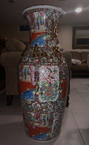 Beautiful antique china vase in MINT condition for Sale in Dearborn Heights, MI