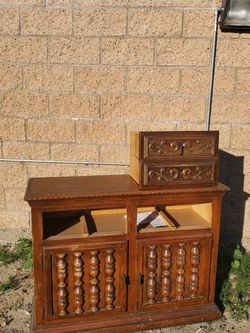 Like Antique TV Stand for Sale in Anaheim,  CA