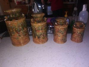 Set of 4 kitchen canisters for Sale in El Paso, TX