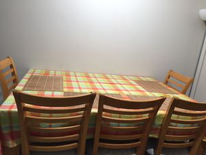 Dining table with 5 chairs for Sale in Dunlap, IL