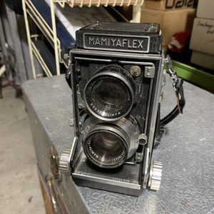 Vintage Camera for Sale in Cleveland, OH