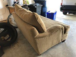 Oversized love seat for Sale in Ashburn, VA
