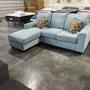 Sofa With Chaise for Sale in Maple Valley, WA