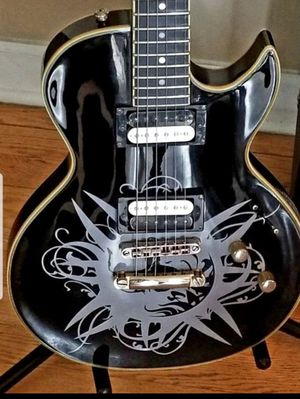 Spear SHL-12H Mahogany Maple Top Ebony Duncan Single Cutaway Electric Guitar with awesome artwork, incredibly unique, awesome tones. for Sale in North Aurora, IL