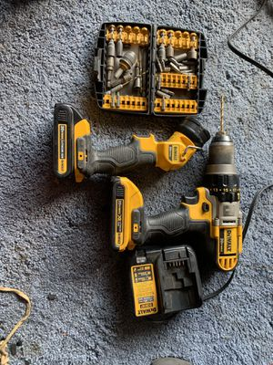 Dewalt hammer drill and flashlight for Sale in Columbus, OH