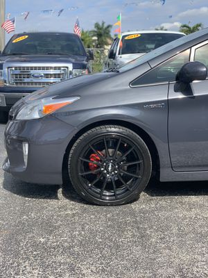 2015 Toyota Prius HB special edition for Sale in North Lauderdale, FL