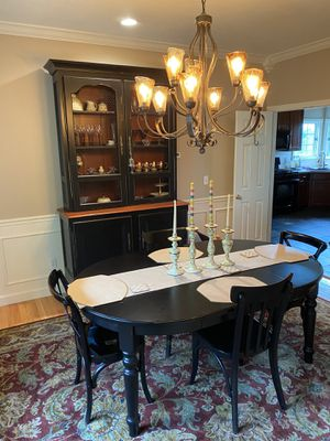 Pottery Barn Dining Room Table Ana chairs for Sale in Morgantown, WV