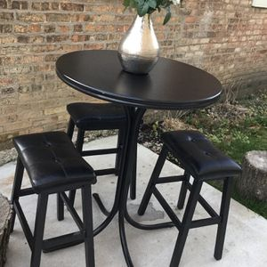 Bar Top Table With Stools for Sale in Chicago, IL