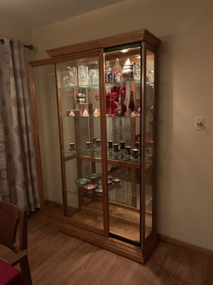 Sliding Door 5 Shelf China Curio Cabinet with Lock Oak for Sale in Franklin Park, IL