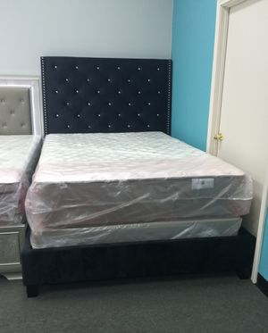"Queen bed frame with mattress set pillow top 10"" for Sale in Houston, TX"