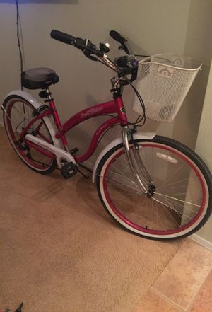 "DelRio 26""Pink/White Bike w/tire pump & basket...seldom used over past 3 years for Sale in Phoenix, AZ"