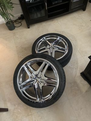 Rims chrome 18in for Sale in Homestead, FL